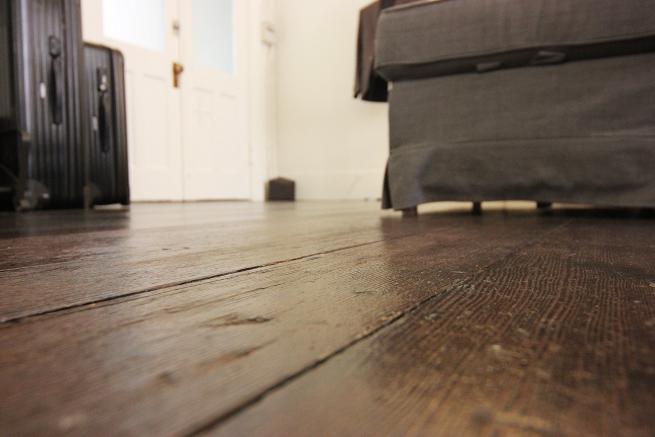フローリングの床の張替え費用