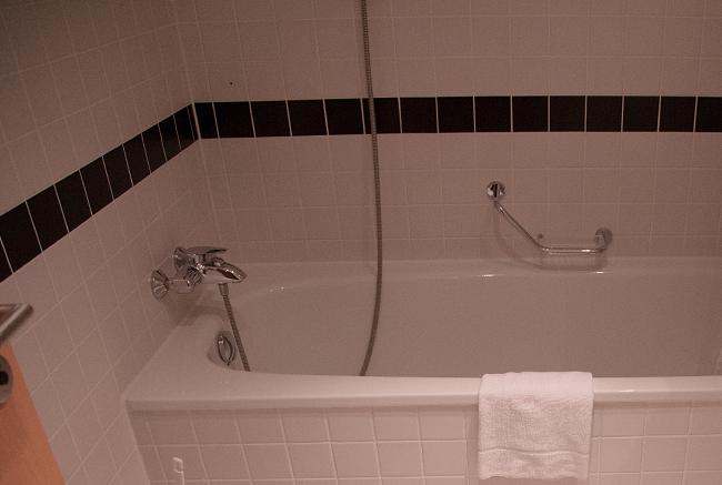 不快指数100%エアコンと風呂場のカビから健康を守る