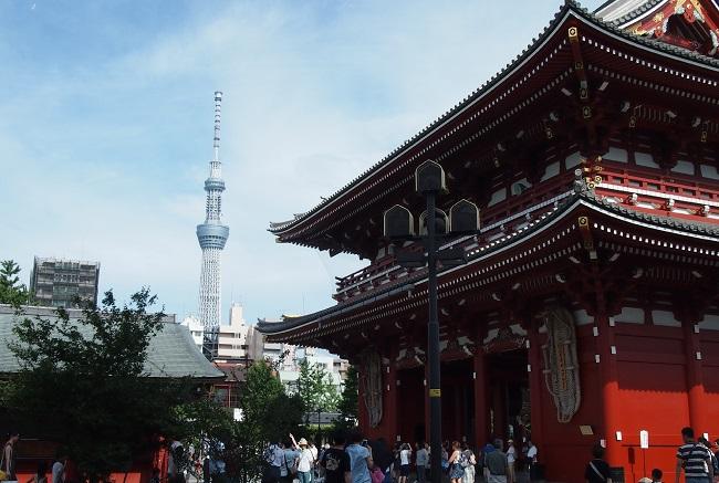 都バスで都内観光浅草寺とスカイツリー