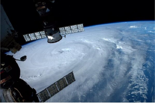 台風の目に入ったらすぐしたい3つのこと